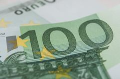 Cédulas de cem dinheiros dos euro Fotos de Stock Royalty Free