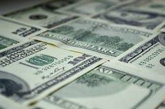 Cédulas dispersadas de 100 dólares americanos Foto de Stock Royalty Free