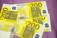 Cédulas do Euro em um fundo branco Imagens de Stock