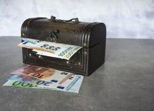 Cédulas do Euro na caixa Imagem de Stock