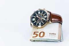 Cédulas do valor do Euro do dinheiro com cadeado, sistema de pagamento da União Europeia foto de stock royalty free