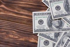 100 cédulas dos dólares americanos com espaço vazio para o vosso projeto Fotografia de Stock Royalty Free