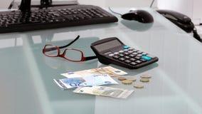 Cédulas e moedas da euro- moeda Fotografia de Stock