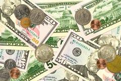 Cédulas e moedas do dólar de alguns Estados Unidos fotos de stock