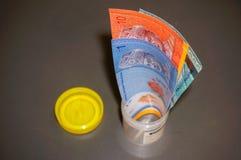 Cédulas em uma garrafa Foto de Stock Royalty Free