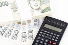Cédulas, moedas e calculadora checas do dinheiro Foto de Stock Royalty Free