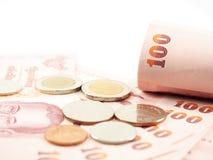 Cédulas roladas na pilha de dinheiro Foto de Stock Royalty Free