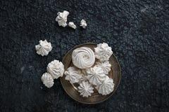 Céfiro hecho en casa de la vainilla, melcochas blancas deliciosas Imágenes de archivo libres de regalías