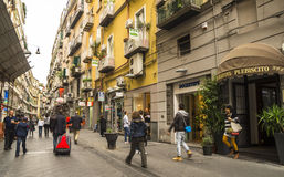 Célèbre par l'intermédiaire de Chiaia à Naples, Italie Images libres de droits
