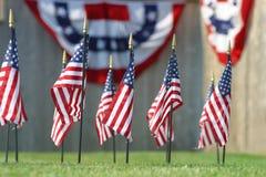Célébrant l'amd décorant sur le 4ème juillet, Images libres de droits