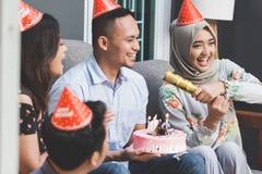 Célébration d'anniversaire avec des amis Photo libre de droits