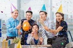 Célébration dans le bureau Images stock