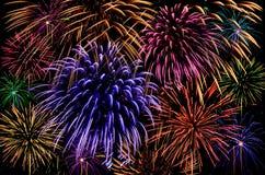 Célébration de feu d'artifice sur le fond foncé Images libres de droits