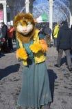 Célébration de jour du ` s de St Patrick à Moscou Les gens dans des costumes de vacances Photo libre de droits