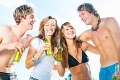 Célébration de la réception à la plage Image stock