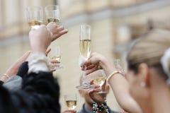 Célébration de mariage avec le champagne Photographie stock
