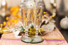 Célébration de Noël et de nouvelle année avec le champagne photos stock
