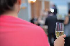 Célébration de pain grillé de champagne de mariage photographie stock