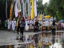 Célébration de prière de melasti dans la ville de Semarang Image libre de droits