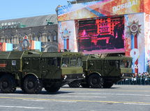 Célébration de répétition du 72th anniversaire de Victory Day La pierre du nom SS-26 de reportage de l'OTAN de 9K720 Iskander est Photo libre de droits