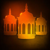 Célébration de Ramadan Kareem avec les lampes arabes brillantes Photo stock