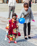 célébration de Shichi-aller-San au tombeau d'Hiroshima Gokoku Image libre de droits