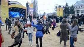 Célébration de Shrovetide (Maslenitsa) à Kiev, Ukraine, banque de vidéos