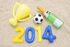Célébration du trophée 2014 du football Champagne Beach Photographie stock libre de droits