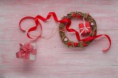 Célébration heureuse d'amour de jour de valentines dans un style rustique Image libre de droits