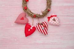Célébration heureuse d'amour de jour de valentines dans un style rustique Image stock