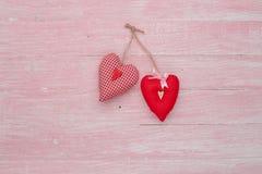 Célébration heureuse d'amour de jour de valentines dans un style rustique d'isolement Images stock