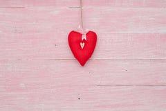 Célébration heureuse d'amour de jour de valentines dans un style rustique d'isolement Images libres de droits