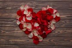 Célébration heureuse d'amour de jour de valentines dans un style rustique d'isolement Photo stock