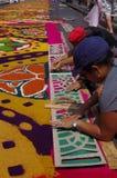 Célébration religieuse Tegucigalpa Honduras d'été de préparation de tapis colorée par sciure 2019 2 image stock