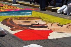 Célébration religieuse Tegucigalpa Honduras 2019 24 d'été de préparation de tapis colorée par sciure photos stock