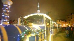 Célébrations de Noël dans la ville Hall Square à Tallinn clips vidéos