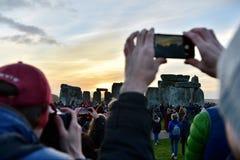Célébrations de solstice d'hiver chez Stonehenge photos libres de droits