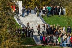 Célébrations en l'honneur de l'anniversaire de la libération des envahisseurs nazis dans le mémorial dans le village d'Ilinskoe d photographie stock libre de droits