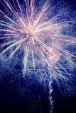 Célébrez avec des feux d'artifice sur la rivière de Tchefuncte dans Madisonville, Louisiane Photo stock