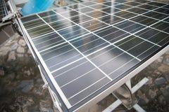 Célula solar, sol renovável da energia elétrica do painel voltaico da foto das energias solares Fotografia de Stock
