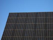 Células solares em um telhado Fotos de Stock