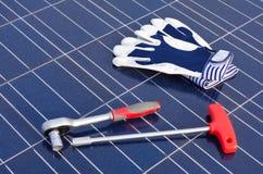 Células solares y herramientas Foto de archivo