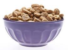 Céréale de petit déjeuner avec des formes de coeur Photographie stock