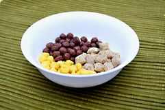Céréales dans la cuvette Photographie stock libre de droits