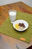 Céréales dans la cuvette Photos stock