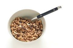 Céréales de Choclolate dans une cuvette Images libres de droits