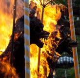 Cérémonie d'incinération : pyres funèbres sur le détail d'incendie Photographie stock libre de droits