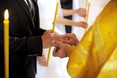 Cérémonie de mariage d'église photographie stock libre de droits