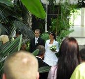 Cérémonie de mariage dans le jardin   Photographie stock libre de droits