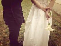 Cérémonie de mariage de attente de jeunes mariés Photo libre de droits